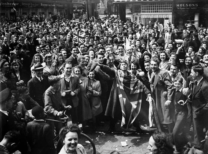 Crowd celebrating VE Day, Montreal